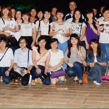Help with a local English class in Danang, Vietnam
