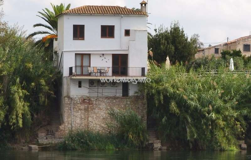 Come Stay In Our Lovely Villa In Mora La Nova And Help