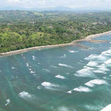 Estatua de una sirena, ubicada en playa Esterillos oeste. Puntarenas,COSTA  RICA