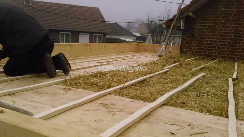 Superior Covering The Straw Bale Insulation In The Extension