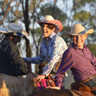Outback Cattle Station in North Queensland - Horses, Dogs, Cats, Pet