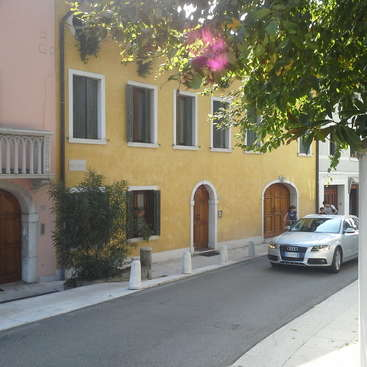 Help me with odd jobs around the house in Sacile, Authentic