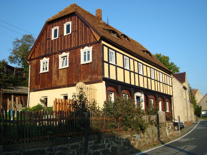 Help In A Traditional German Wood House In Cunewalde