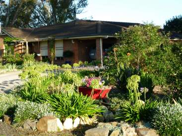 Help wanted at holiday guesthouse and organic garden near