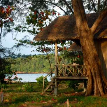 Help on a desert island resort in the Ream National Park, Cambodia