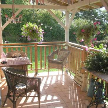 French mature patio play