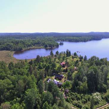 Help around the garden and house in Småland, Sweden on jämtland, södermanland,