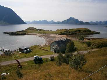 Help out on a small island in the north of Norway