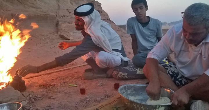 cuire du pain dans du sable