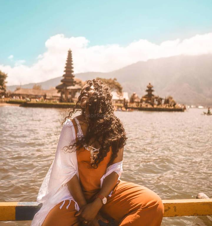 solo-female-travel-blogger-freedom