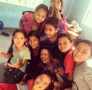 language-learning-happiness-children-volunteer-exchange
