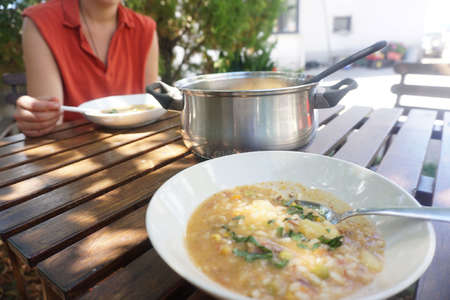 recipe-minestrone-traditional-taste-slovenian-volunteer05