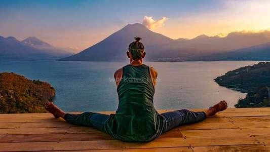 artist-workaway-guatemala-yoga