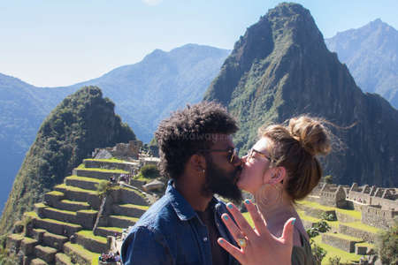 engagement-marriage-proposal-love-machu-picchu