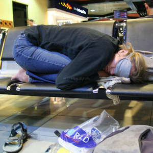 backpacker-airport-sleeping