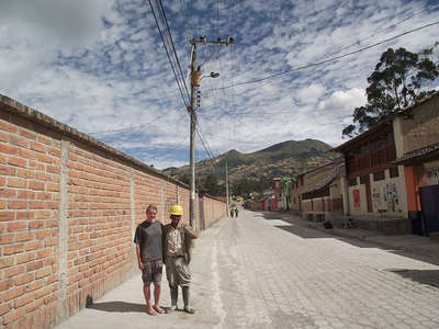 building project workaway friendship in ecuador