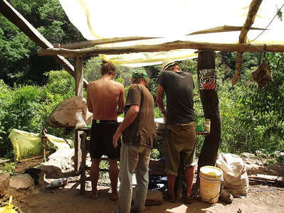 eco building with workawayers