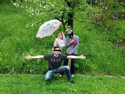 workaway travellers gangster pose fun