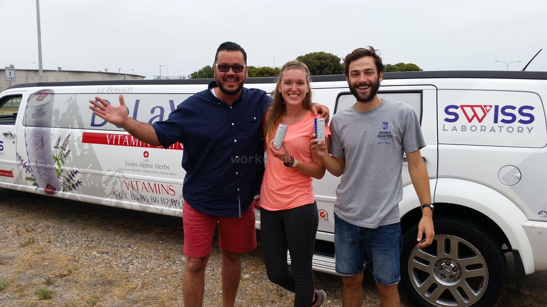hitchhiker group travel explore adventure