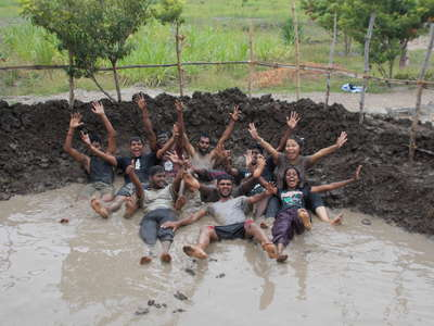 travel-workaway-group-mud-puddle