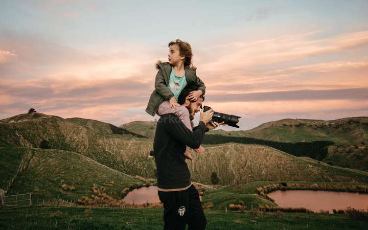 digital nomad father daughter photography camera travel