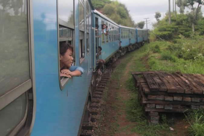 solo travel Sri Lanka blue train contemplation