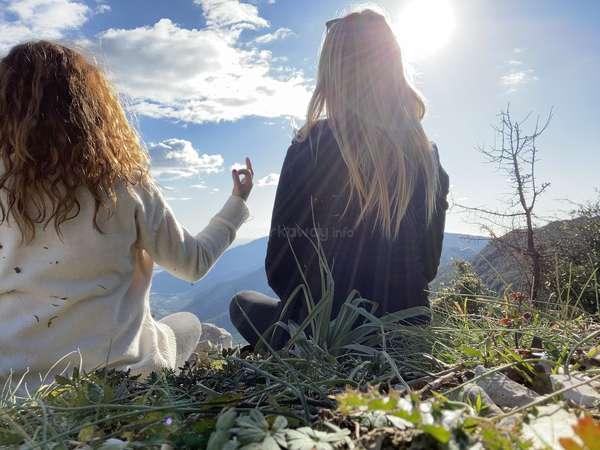 hilltop workawayer pair meditate nature