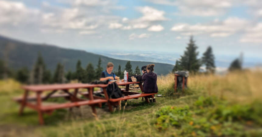 nature workaway excursion go outside picnic relax meal enjoy outdoor fresh