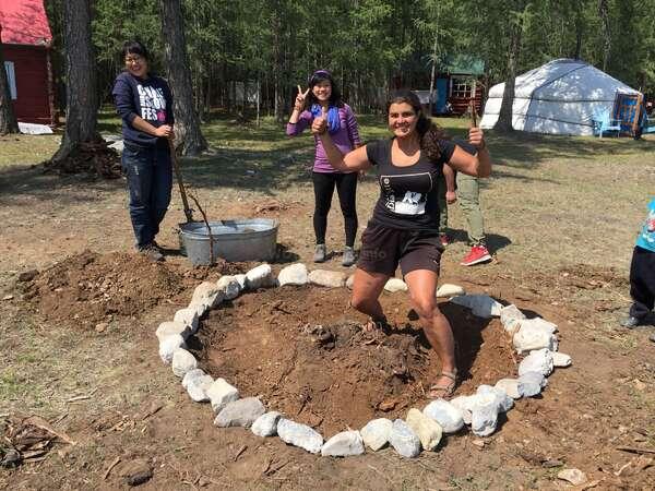 workaway family teenagers build yurt camp outdoor volunteering